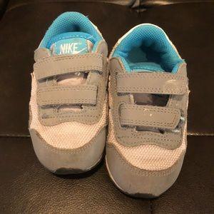 Nike sneakers US 7C